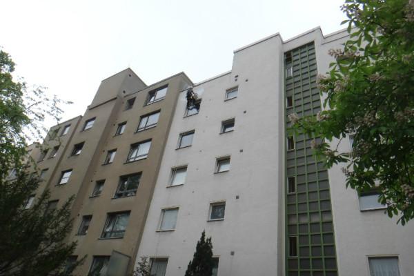 Industriekletterer München Reperatur Fassade Verputzen Malerarbeiten Spechtlöcher
